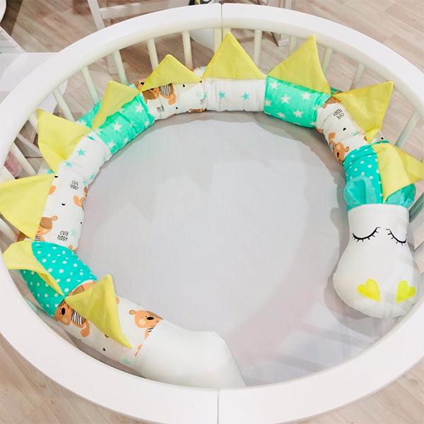 Игрушка бортик МАМА (подушка-валик в виде Дракона)